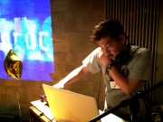 石神井でディスコイベント DJ3人が年代別の曲を選曲
