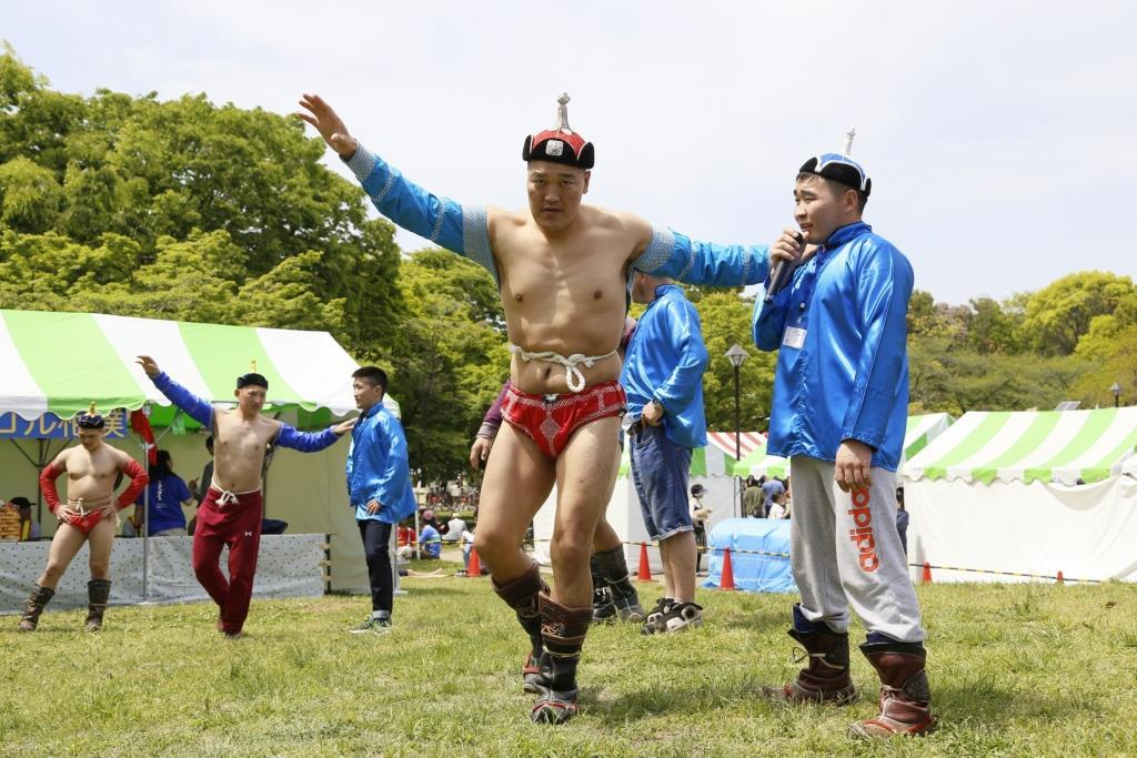 モンゴル相撲(昨年の様子)