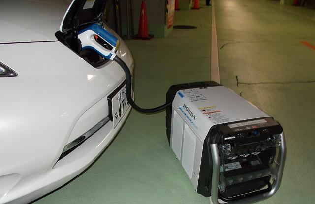 電気自動車に接続した外部給電機器