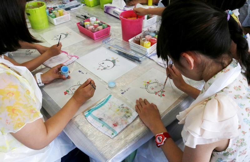 セル画体験教室の様子