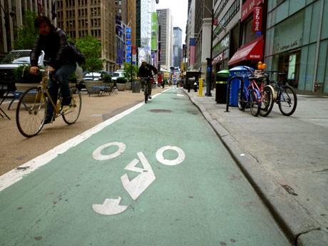 ミッドタウンの自転車専用道路