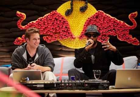 昨年の「Red Bull Music Academy 2011」でレクチャーする米のアーティスト、RZAさん。©Dan Wilton/Red Bull Content Pool