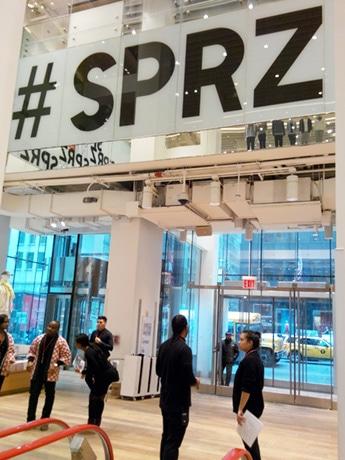 SPRZ NYの準備が着々と進むユニクロ5番街店の2階