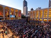 NYメトロポリタン歌劇場でサマーHDフェス 野外オペラスクリーニング