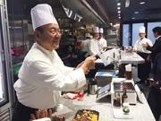 NYに「いきなりステーキ」オープン 現地メディアも立ち食いステーキに興味津々