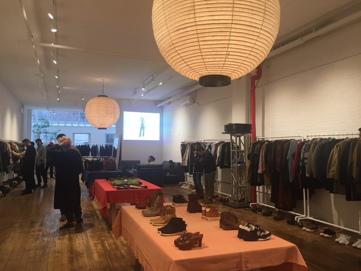 ファッションブランド「visvim」「WMV」展示の様子