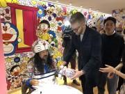 NYでユニクロがドラえもんTシャツの発売記念イベント 現代アートの巨匠・村上隆さんも登場