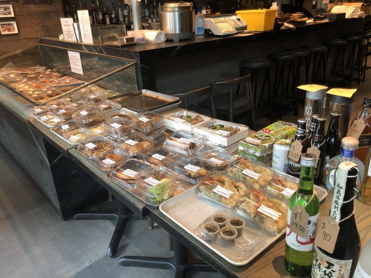 販売中のWOKUNI日替わり弁当売り場の様子
