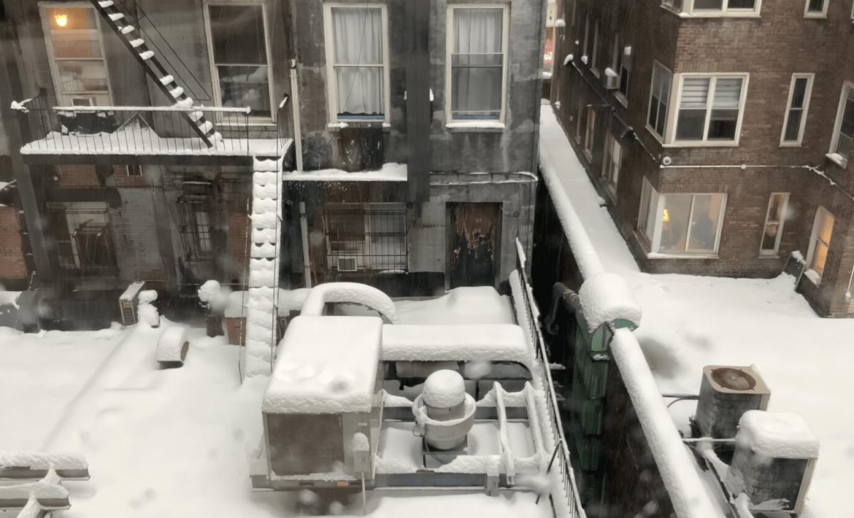 大雪のNY市内の様子