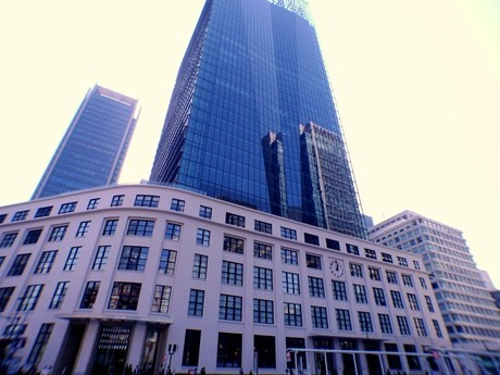 「JPタワー」内に3月21日オープンした商業施設「KITTE(キッテ)」