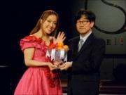 丸の内で平原綾香さんが佐賀産高級イチゴPR-Xマスケーキのプロデュースも