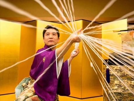 江戸手妻のホープ藤山大樹さんは、マジック界の国際連合「FISM」アジア大会優勝者
