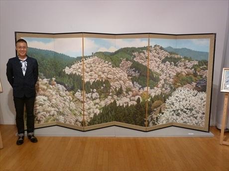 吉野山の満開の桜を描いた大作、六曲屏風絵「一目千本図屏風」