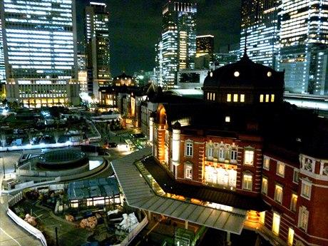 東京駅発イルミネーション撮影ツアー 丸の内から日本橋まで光の競演巡る