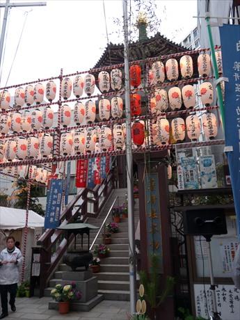 東日本橋、薬研掘で「納めの歳の市」 掘り出し物も多い「大出庫市」も