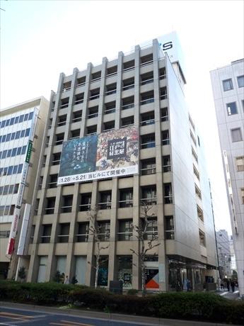 再開発中の9階建てのビルを1棟利用して2つのデジタルアートイベントを同時開催