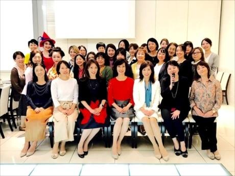 「今を知り未来をクリエイトする」をテーマに42組の女性起業家が出展