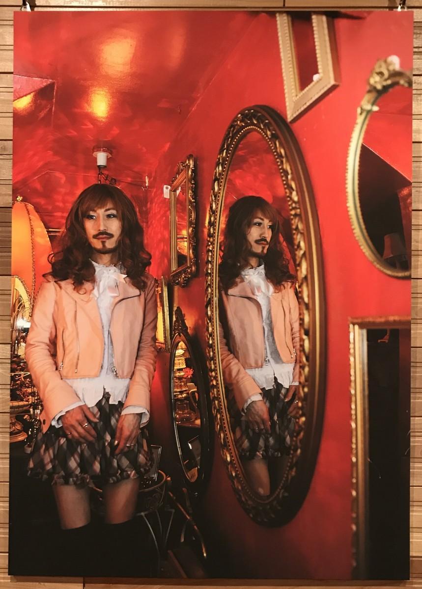 作品は写真家・Tomoko Arimaさんの「mirror」