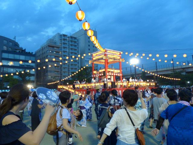 今年で30回目となる「中央区大江戸まつり盆踊り大会」、2日間で延べ約7万1千人の来場者でにぎわう