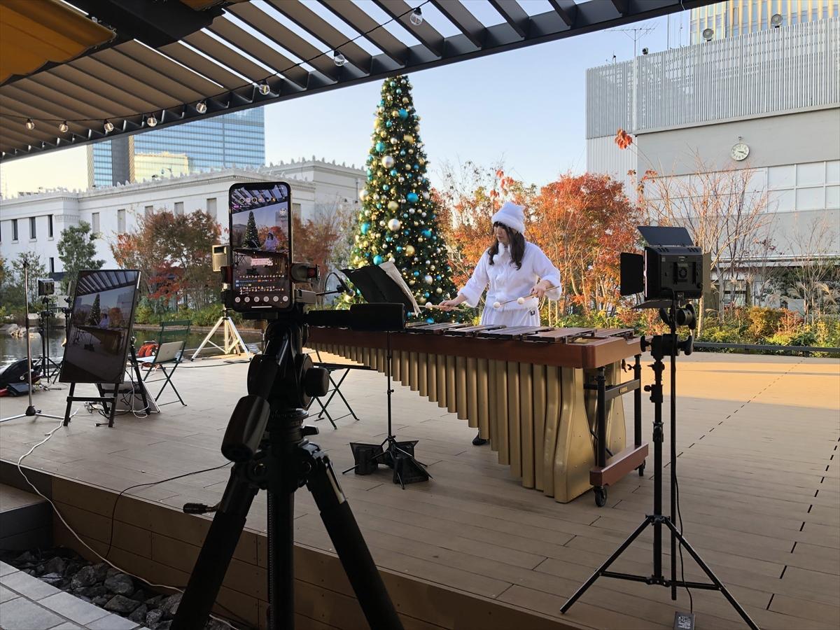 マリンバの演奏をライブ配信中の「たまちゃん」こと齊藤珠希さん