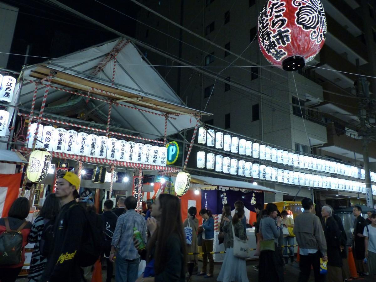 例年、10万人を超える参加客を集める日本橋大伝馬町の風物詩「べったら市」