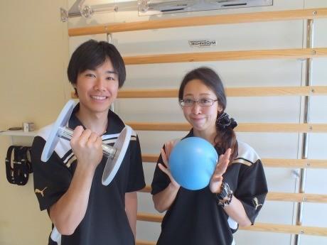 店長の伊藤奈緒さんとスタッフ