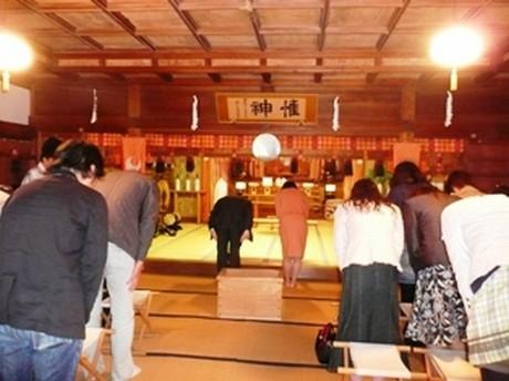 「桜神宮婚コン」過去の様子(社殿内)