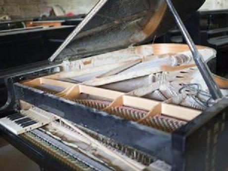 奇跡のピアノ(修復前)