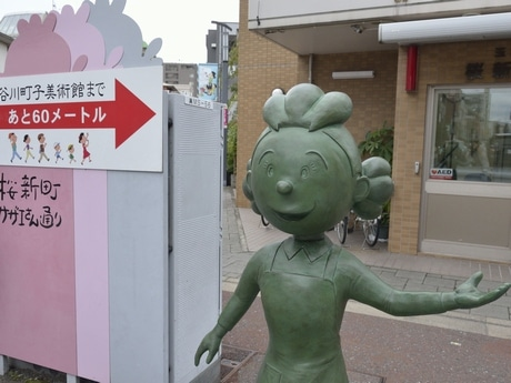 サザエさんの銅像(桜新町交番前)