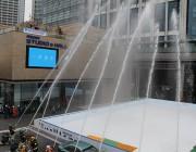 二子玉川ライズ中央広場で消防演習 一日消防署長に加藤綾子さん