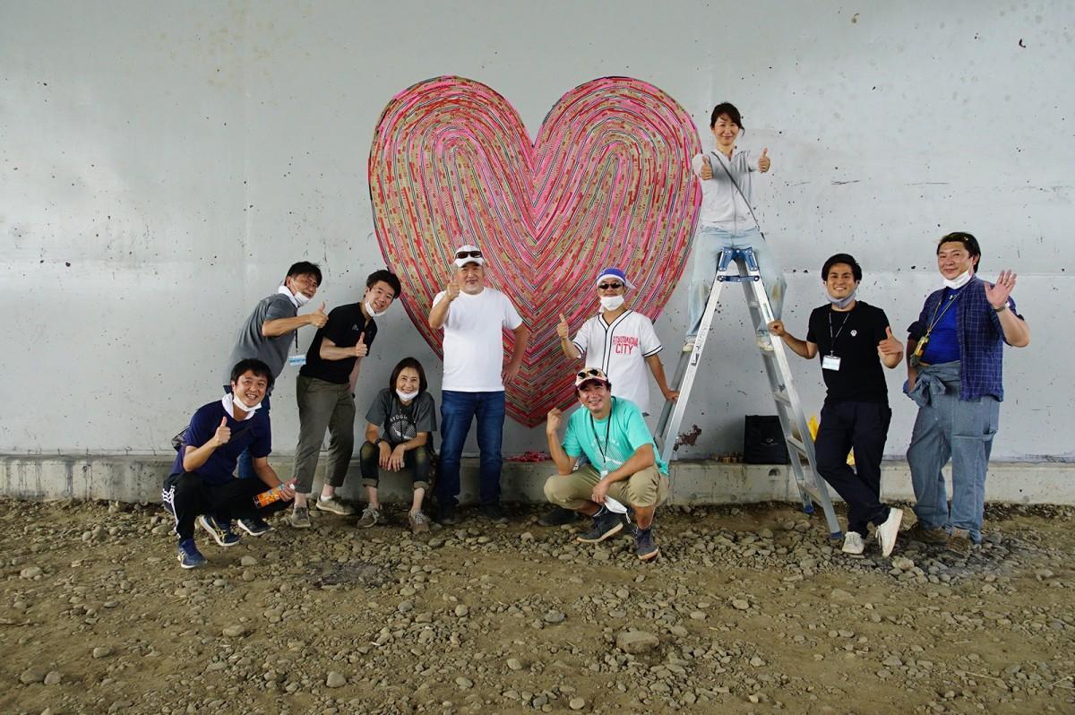 「新二子橋の橋脚壁面アート」(画像提供:二子玉川エリアマネジメンツ)