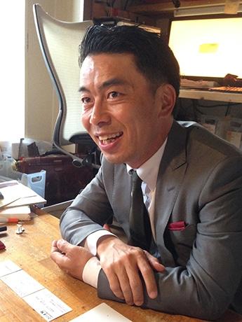 西宮経済新聞の取材に応じる次期市長の今村岳司さん