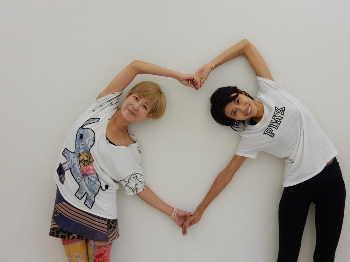 坂本さん(右)とコーチのAYAさん