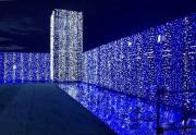 羽村駅前に真夏のイルミネーション 8万球使い「水」をテーマに表現