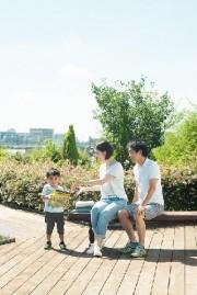 家族写真をプロ写真家が撮影 羽村市の魅力伝えるプロジェクトで