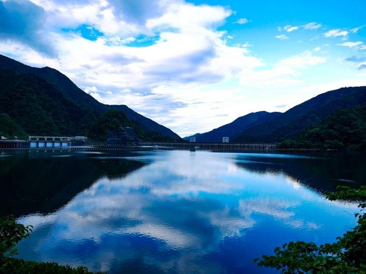 現在投稿されている夏の奥多摩湖