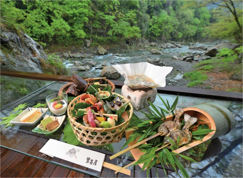 野外テラス「水の音」の昼膳