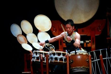 海外でも活動する和太鼓奏者の林英哲さん