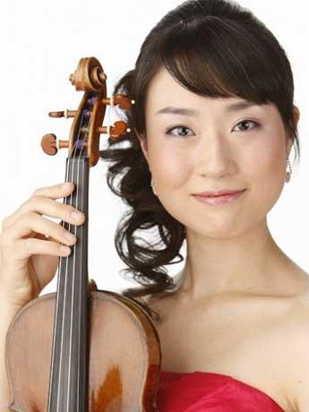 小田原出身のバイオリニスト碓井志帆さん