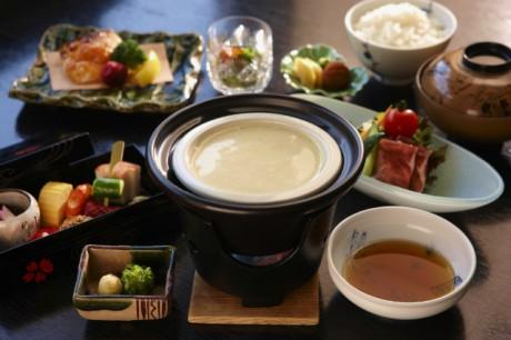 「はつはな湧水豆腐」の朝食