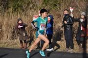 箱根路を大手町に向けて21本のタスキ激走 山下りの6区でも青山学院大健闘