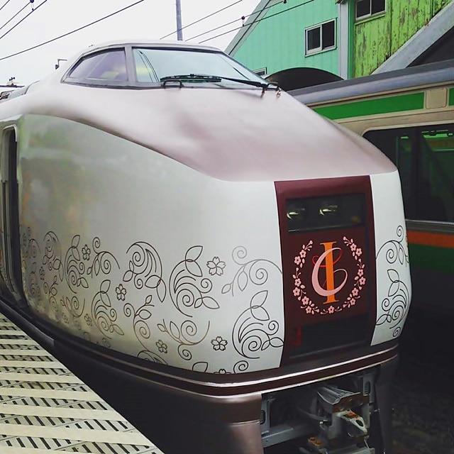 根府川駅の「IZU CRAILE(伊豆クレイル)」(撮影=星一徳さん)