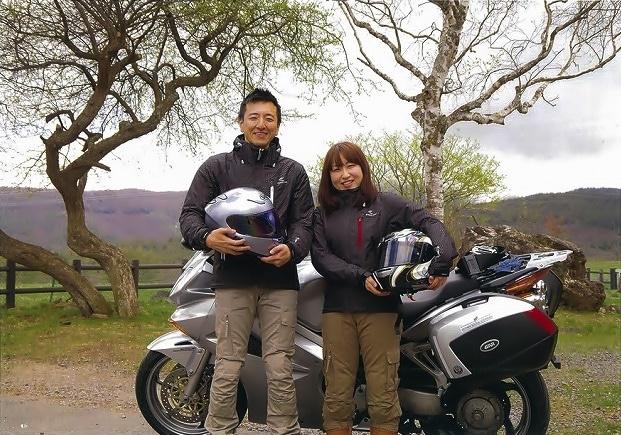 多くの応募者の中から選ばれた三枝康彦さんと南澤沙佳さん