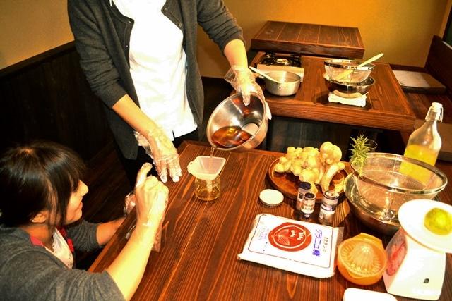「無添加の生姜シロップ作り」の様子