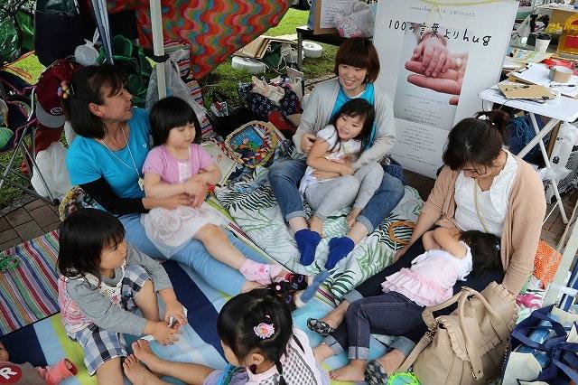 小田原でママを支援する「すまいるパーティー」 保育士目指す学生ボランティア参加