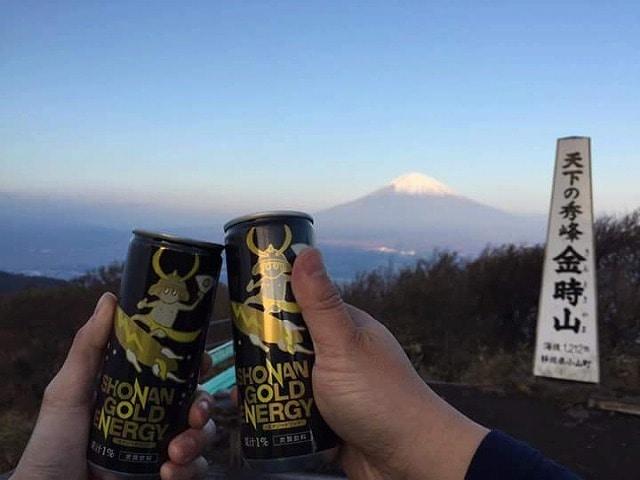 富士山を背景に「湘南ゴールドエナジー」