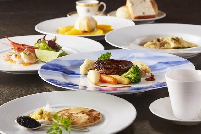 北村雅之料理長がセレクトしてディナーコースに仕立てた「復刻ディナー」