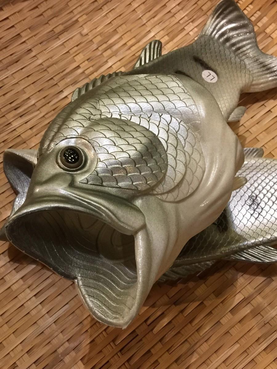 「魚サンダル」