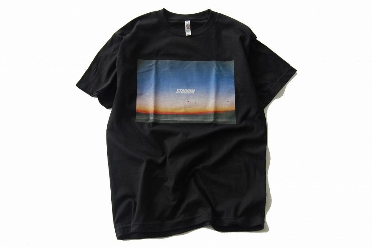 西湘の海を撮り続けているフォトグラファー松浦泰也さんの写真が生きているTシャツ(ブラック)