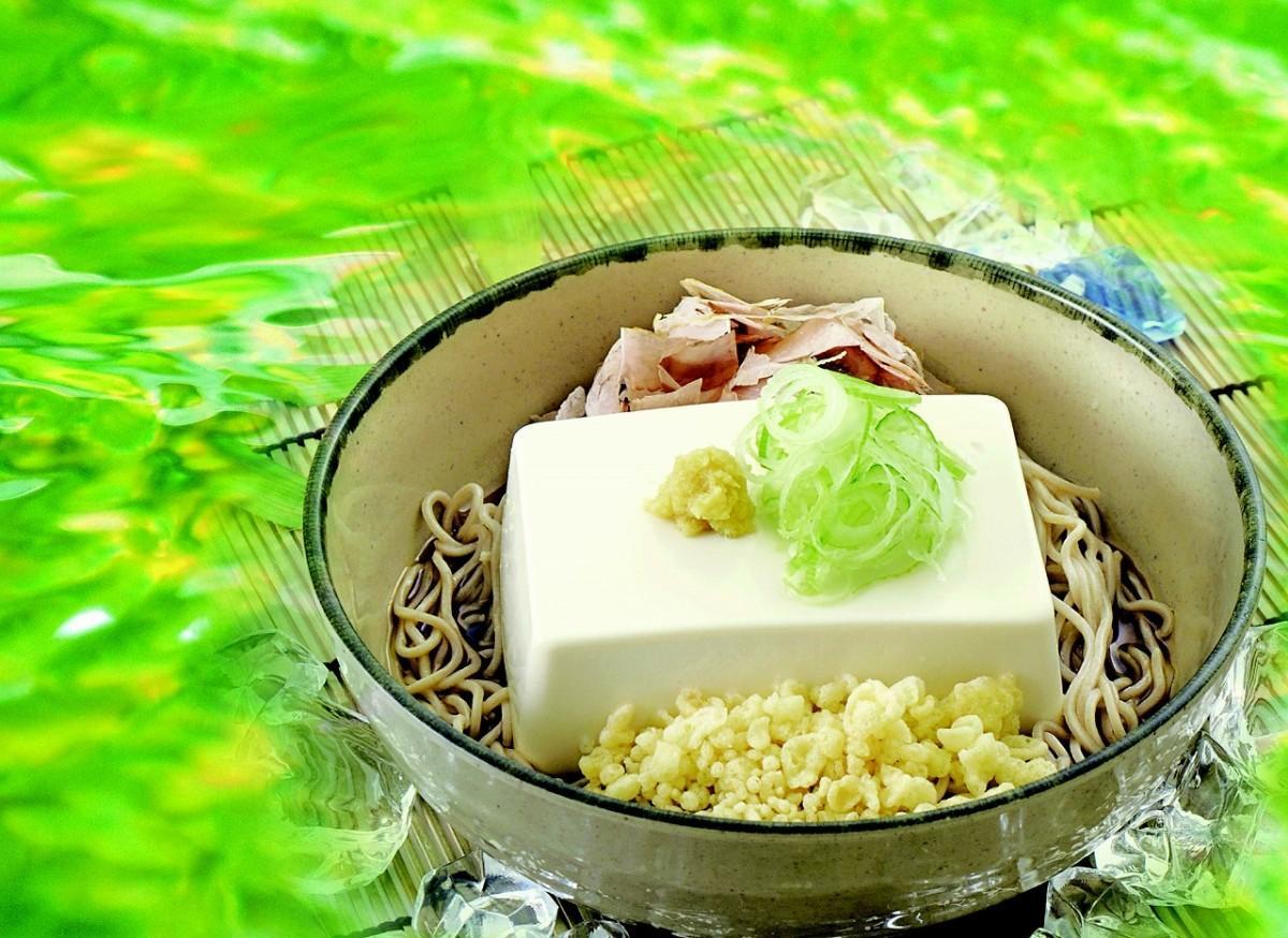 期間限定・個数限定の名物メニュー「豆腐一丁そば・うどん」